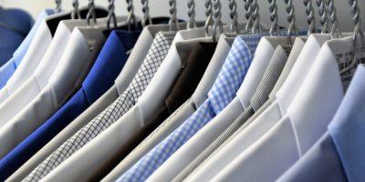 Elegantné oblečenie, ktoré nesmie chýbať v šatníku každého muža